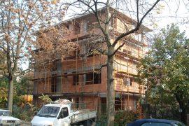 Társasház szerkezetépítés, 2004