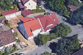 Régi családi ház felújítása, bővítése pincével, tetőtér beépítése, 2011