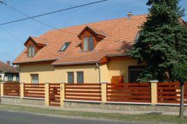 Meglévő családi ház korszerűsítése, tetőtér beépítése, 2002
