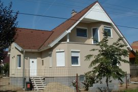 Családi ház homlokzatszigetelés, 2004
